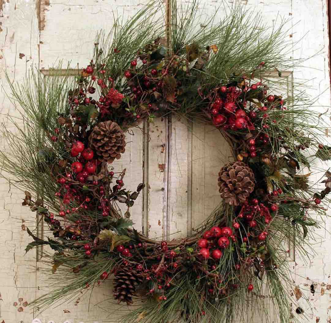 holiday-door-decorating-wreath