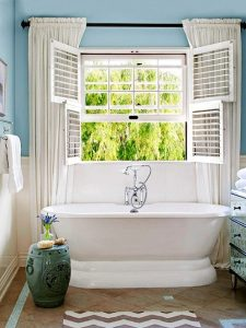 plantation-shutters-in-bathroom-Dress up your windows