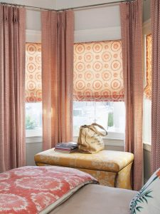 roman-shade-and-curtain-bhg-VALENTUS Regina Dress up your window